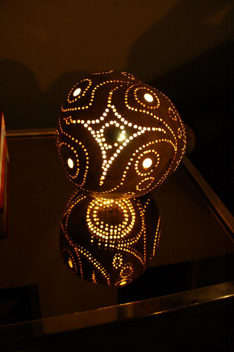 Mit Beleuchtung